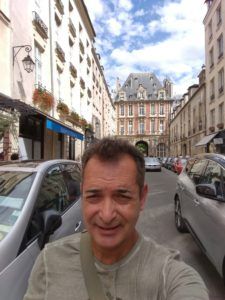 Enjoying the safety and beauty of gay friendly Paris